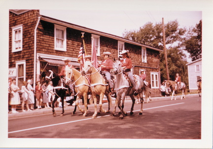 1950s-HwBoro-Memorial-Parade-Twomey-06-Mercer-Eagle Bakery