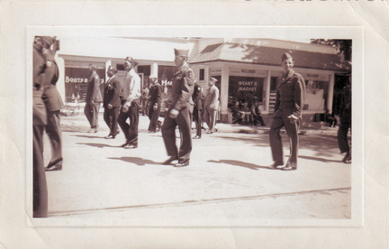 1950s-HwBoro-Memorial-Parade-Twomey-11-Broad East-Wearts Market