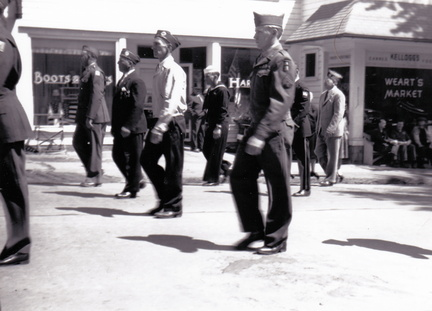 1950s-HwBoro-Memorial-Parade-Twomey-12-Broad East-Wearts Market