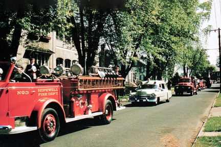 1953c-HwBoro-Memorial-Parade-Labaw-16-Model-012-014-Greenwood