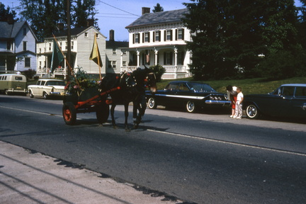 1964-HwBoro-Memorial-Parade-Devlin-01-Broad West