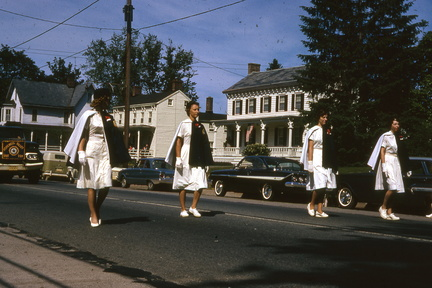 1964-HwBoro-Memorial-Parade-Devlin-04-Broad West