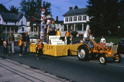 1964-HwBoro-Memorial-Parade-Devlin-05-Broad West