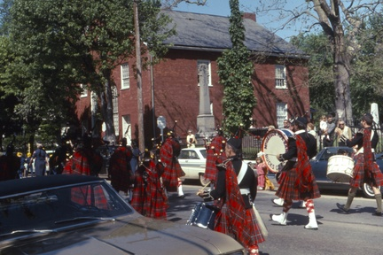 1967-HwBoro-Memorial-Parade-Gantz-19-Old-Baptist