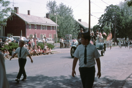 1969-HwBoro-Memorial-Parade-Devlin-Broad East