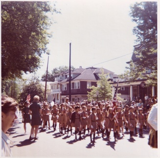 1972-HwBoro-Memorial-Parade-Carter-D11-Broad East-021