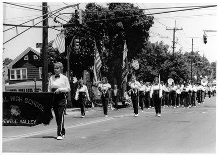 1992-HwBoro-Memorial-Parade-Sudlow-05-CHS-Band