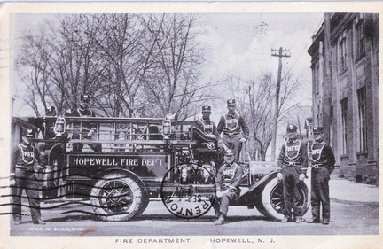 Broad East-002-1919-pc-Fire Dept-Pierson Albertype-MAT 28