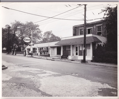 Broad East-038-1952-ph-Esso Wearts Store-DHS